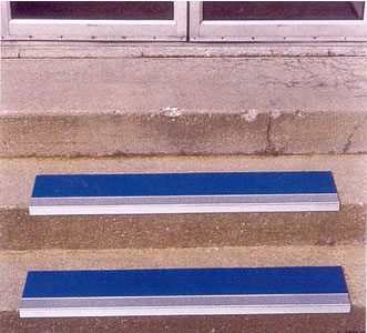 Grit Surface Aluminum Stair Treads ...